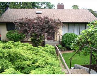 Photo 1: 3913 NITHSDALE Street in Burnaby: Burnaby Hospital House for sale (Burnaby South)  : MLS®# V718649