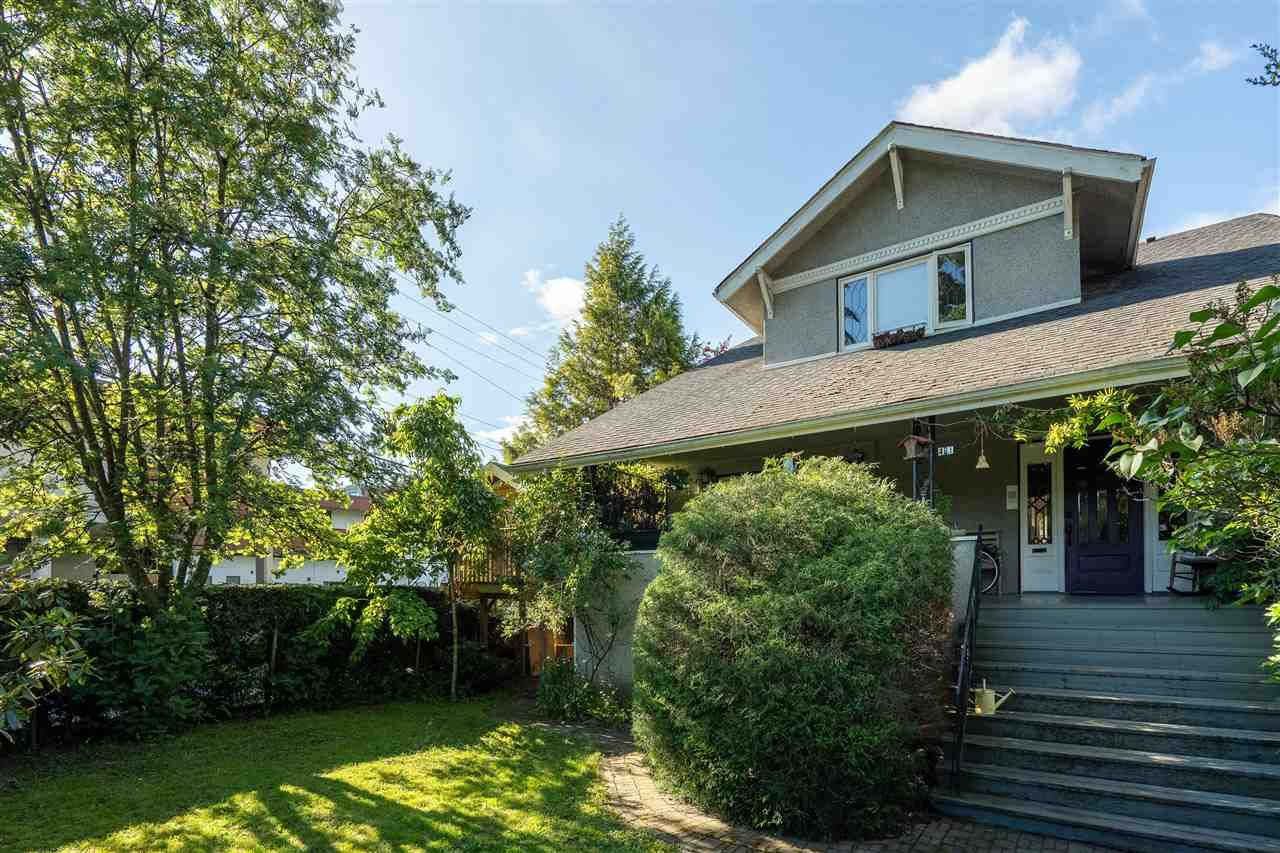 "Main Photo: 481 W 17TH Avenue in Vancouver: Cambie House for sale in ""Cambie Area"" (Vancouver West)  : MLS®# R2482701"