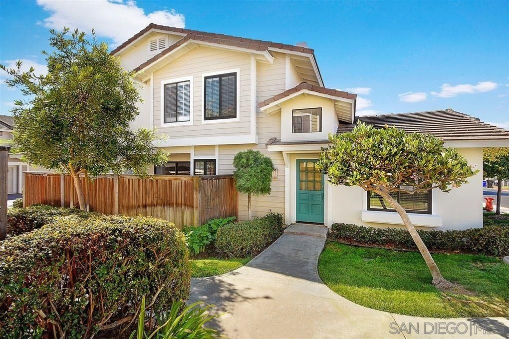 Main Photo: CARMEL VALLEY Townhouse for rent : 3 bedrooms : 3949 Caminito Del Mar Surf in San Diego