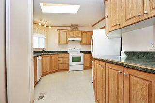 Photo 5: 40 41168 LOUGHEED Highway: Manufactured Home for sale in Mission: MLS®# R2604982