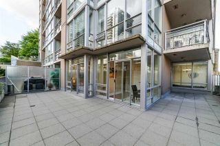 """Photo 14: 303 2978 GLEN Drive in Coquitlam: North Coquitlam Condo for sale in """"Grand Central by Intergulf"""" : MLS®# R2422757"""