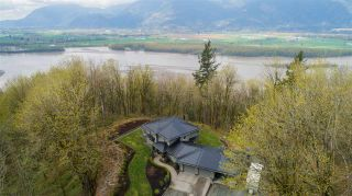 Photo 12: 43207 SALMONBERRY Drive in Chilliwack: Chilliwack Mountain House for sale : MLS®# R2529009