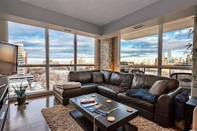 Main Photo: 904 10046 117 Street NW in Edmonton: Zone 12 Condo for sale : MLS®# E4232080