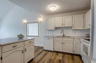 Photo 6: 150 Somervale Point SW in Calgary: Somerset Row/Townhouse for sale : MLS®# A1130189