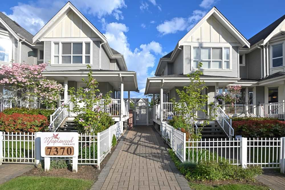 """Main Photo: 36 7370 STRIDE Avenue in Burnaby: Edmonds BE Townhouse for sale in """"Maplewood Terrace"""" (Burnaby East)  : MLS®# R2454553"""