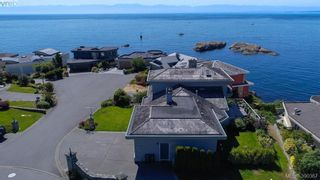 Photo 3: 9 300 Plaskett Pl in VICTORIA: Es Saxe Point House for sale (Esquimalt)  : MLS®# 784553
