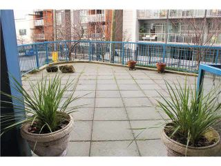"""Photo 10: 204 237 E 4TH Avenue in Vancouver: Mount Pleasant VE Condo for sale in """"THE ARTWORKS"""" (Vancouver East)  : MLS®# V1102209"""