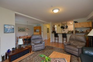 Photo 8: 21 735 PARK ROAD in Gibsons: Gibsons & Area Townhouse for sale (Sunshine Coast)  : MLS®# R2319174