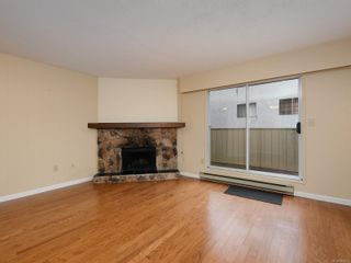 Photo 3: 102 1611 Belmont Ave in : Vi Fernwood Row/Townhouse for sale (Victoria)  : MLS®# 865974