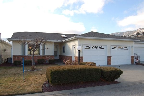 Photo 1: Photos: 204 Hummingbird Lane in Penticton: North Residential Detached for sale : MLS®# 112275