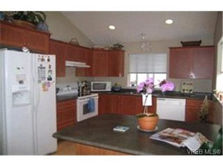 Photo 2:  in VICTORIA: SW Glanford House for sale (Saanich West)  : MLS®# 368771