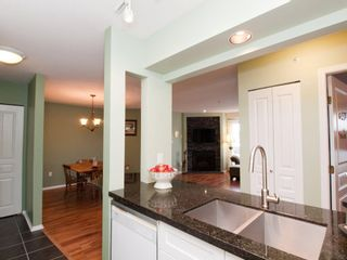 """Photo 8: 412 789 W 16TH Avenue in Vancouver: Fairview VW Condo for sale in """"SIXTEEN WILLOWS"""" (Vancouver West)  : MLS®# V938093"""