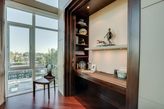 """Photo 7: 1102 14824 NORTH BLUFF Road: White Rock Condo for sale in """"BELAIRE"""" (South Surrey White Rock)  : MLS®# R2350476"""