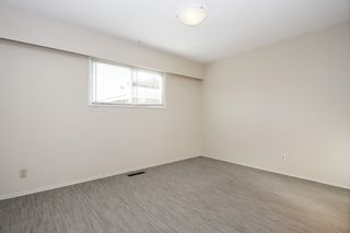 Photo 12: 8520 HOWARD Crescent in Chilliwack: Chilliwack E Young-Yale Duplex for sale : MLS®# R2532277