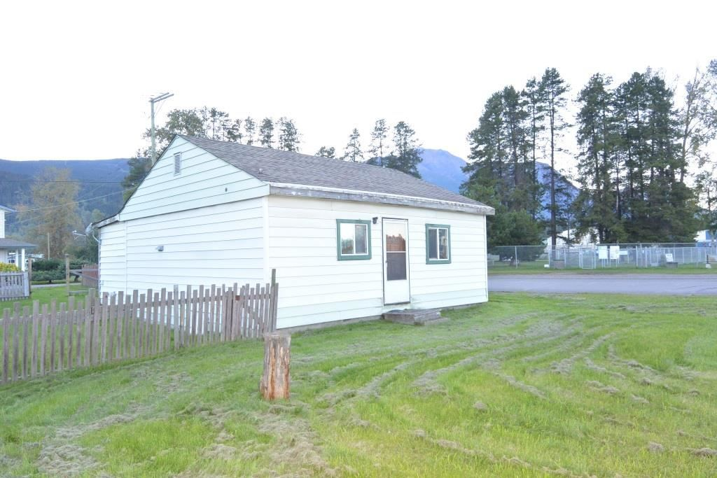 """Main Photo: 4091 W 16 Highway in Smithers: Smithers - Town House for sale in """"Heritage Park Area"""" (Smithers And Area (Zone 54))  : MLS®# R2497302"""