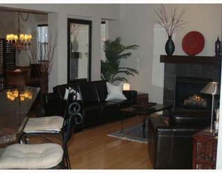 Photo 2: 203 Royal Ridge Mount NW in Calgary: Royal Oak Residential Detached Single Family for sale : MLS®# C3376574