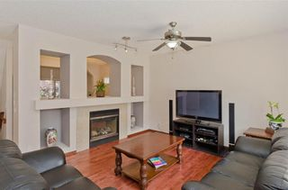 Photo 11: 70 Cresthaven Way SW in Calgary: Crestmont Detached for sale : MLS®# C4285935