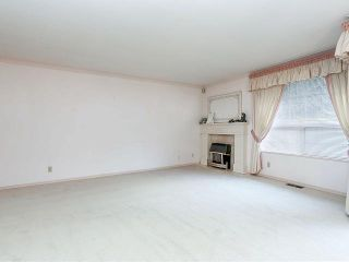 """Photo 3: 116 9781 148A Street in Surrey: Guildford Townhouse for sale in """"CHELSEA GATE"""" (North Surrey)  : MLS®# F1406838"""