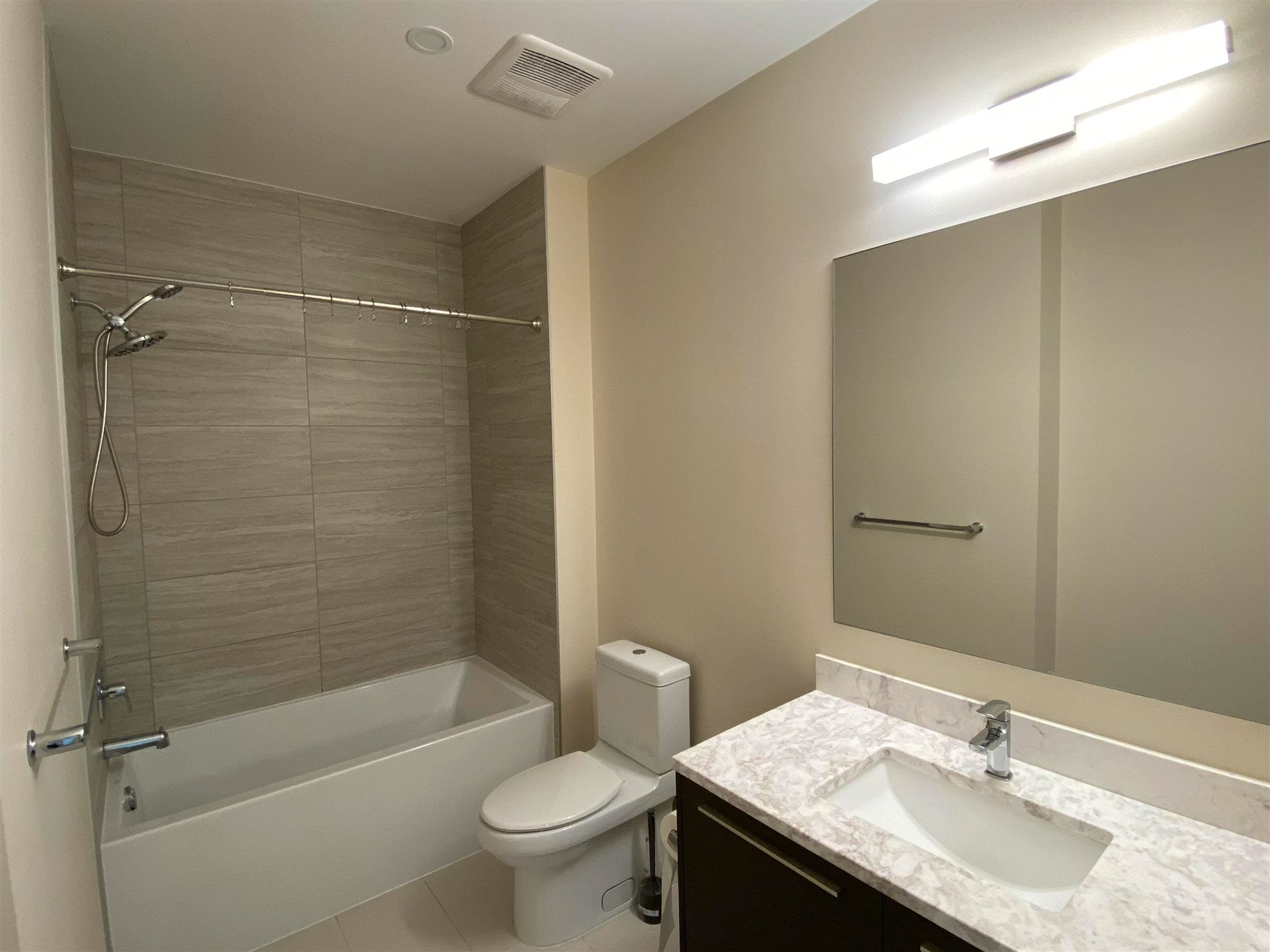 """Photo 12: Photos: 308 6288 CASSIE Avenue in Burnaby: Metrotown Condo for sale in """"GOLD HOUSE SOUTH TOWER"""" (Burnaby South)  : MLS®# R2606367"""