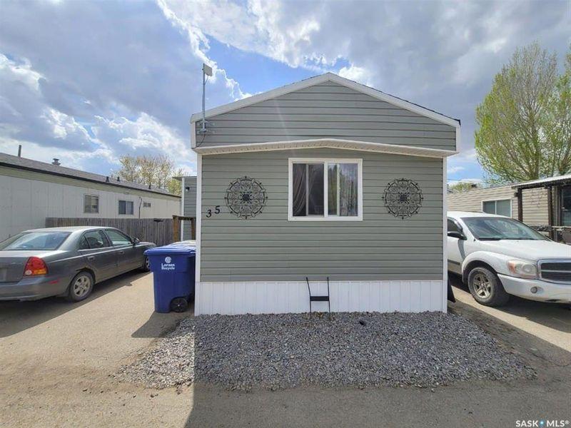 FEATURED LISTING: 35 - 219 Grant Street Saskatoon