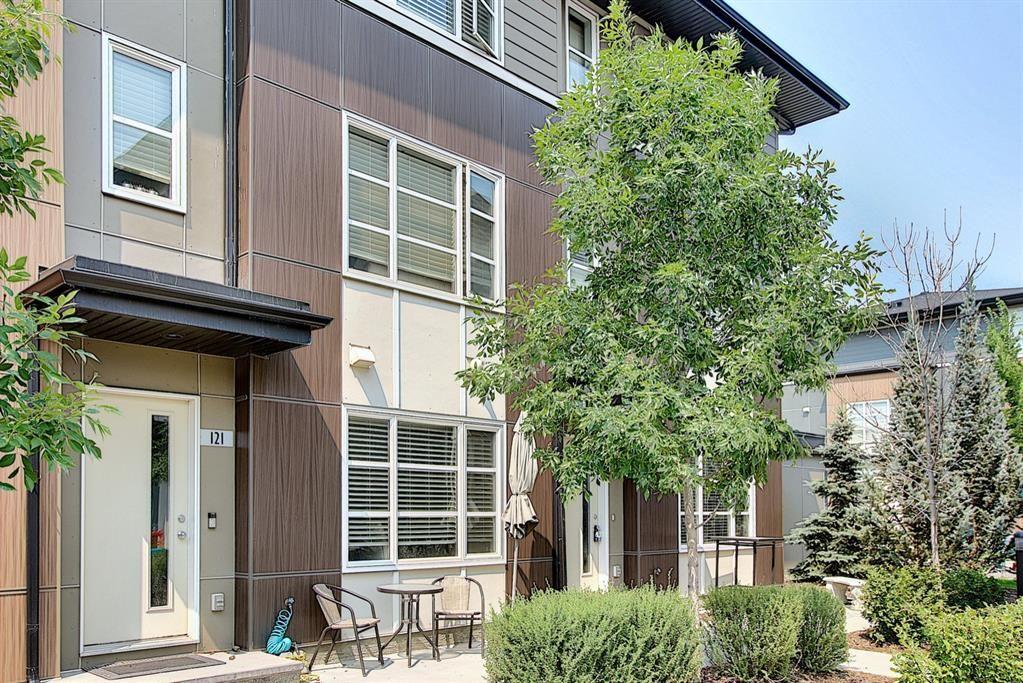 Main Photo: 123 Evansridge Park NW in Calgary: Evanston Row/Townhouse for sale : MLS®# A1152402