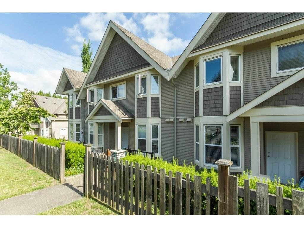 """Main Photo: 4 33321 GEORGE FERGUSON Way in Abbotsford: Central Abbotsford Townhouse for sale in """"Cedar Lane"""" : MLS®# R2082574"""