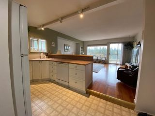"Photo 6: 312 MUNROE Avenue: Cultus Lake House for sale in ""Cultus Lake Park"" : MLS®# R2537492"