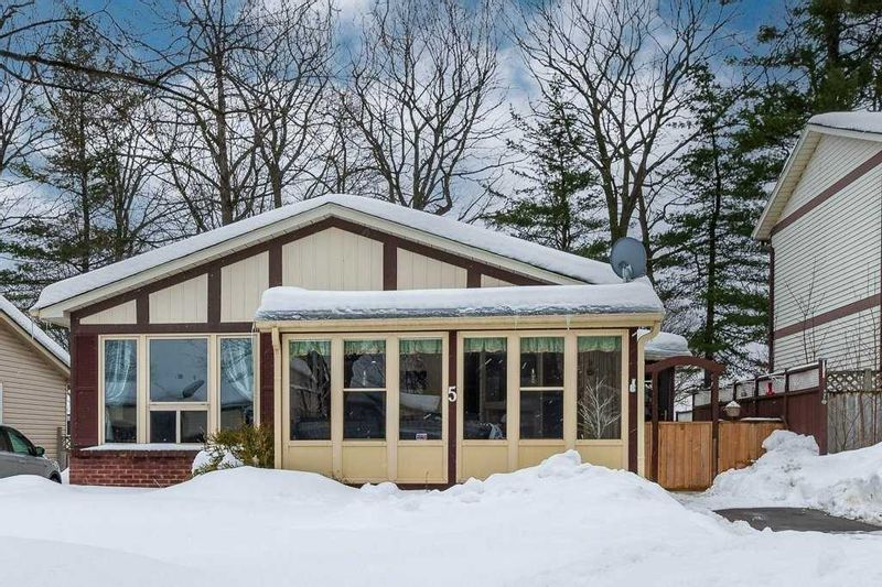 FEATURED LISTING: 5 Kipling Place Place Barrie