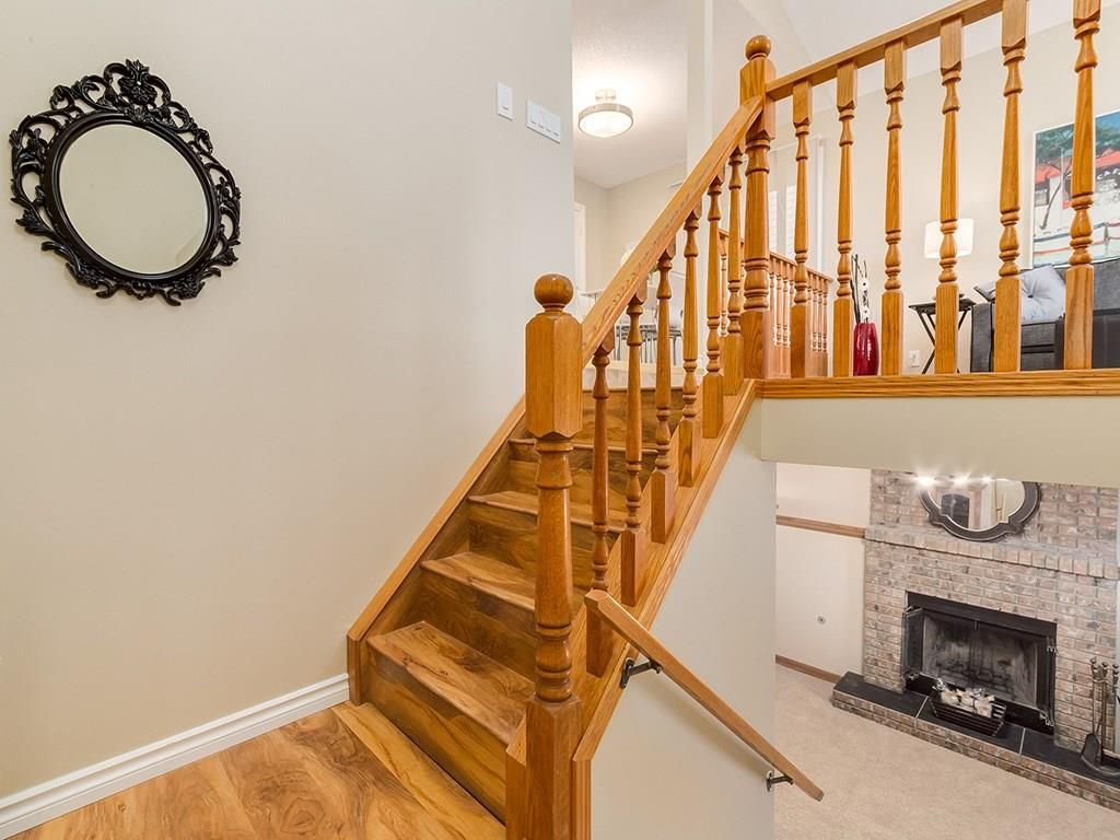 Main Photo: 13 SHAWGLEN Court SW in Calgary: Shawnessy House for sale : MLS®# C4142331