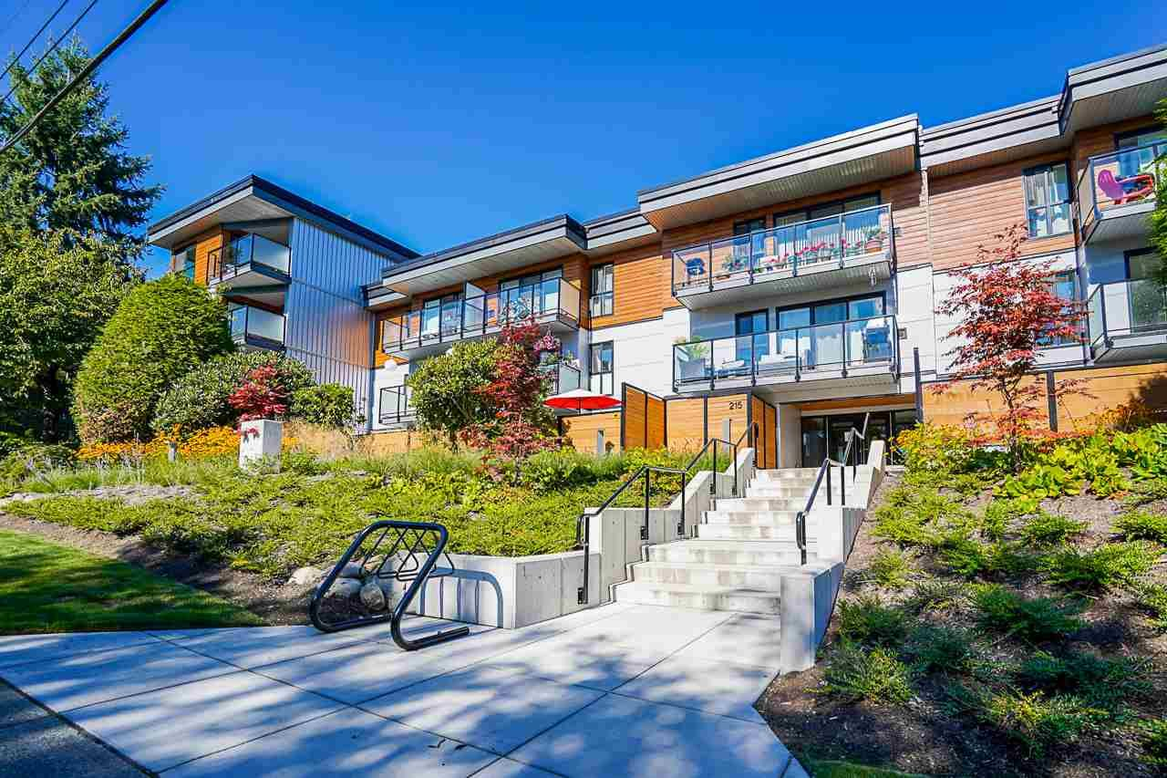 "Main Photo: 210 215 MOWAT Street in New Westminster: Uptown NW Condo for sale in ""Cedarhill Manor"" : MLS®# R2562265"