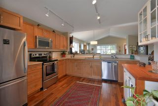 Photo 2: 5630 ANDRES ROAD in Sechelt: Sechelt District House for sale (Sunshine Coast)  : MLS®# R2497608