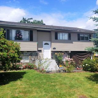 """Photo 1: 20821 51 Avenue in Langley: Langley City House for sale in """"Newlands"""" : MLS®# R2471784"""