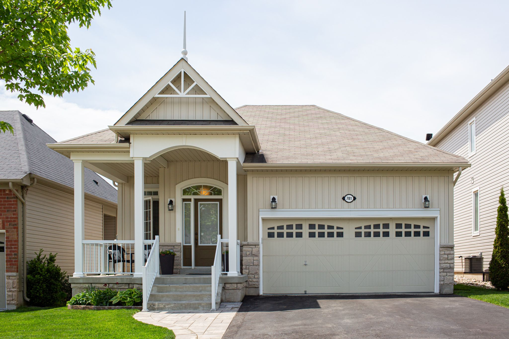 Main Photo: 701 Prince of Wales Drive in Cobourg: House for sale : MLS®# 262394
