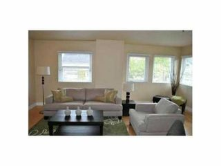"""Photo 3: 1 3189 ASH Street in Vancouver: Fairview VW Condo for sale in """"FAIRVIEW"""" (Vancouver West)  : MLS®# V828474"""