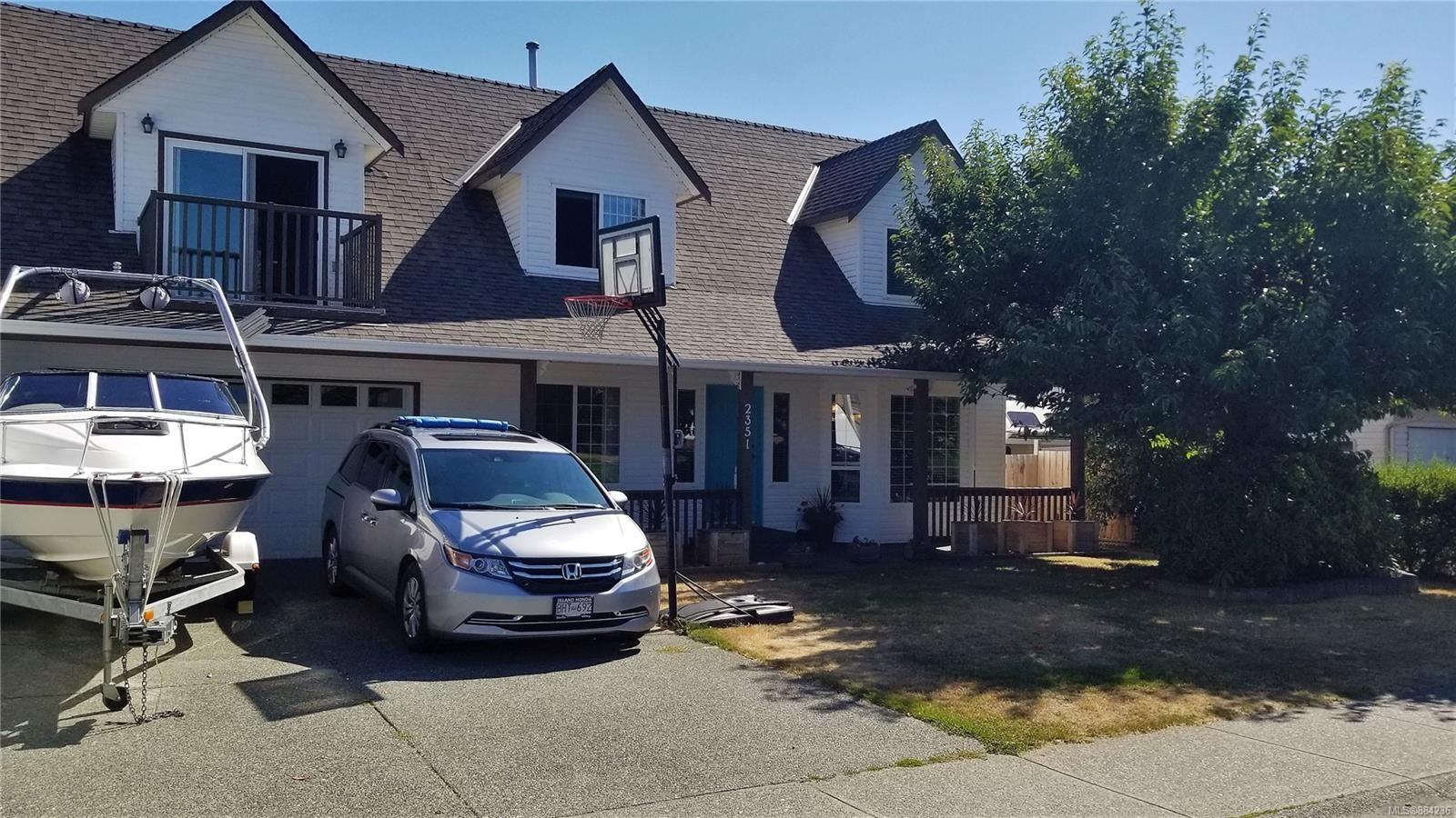 Main Photo: 2351 Galerno Rd in Campbell River: CR Willow Point House for sale : MLS®# 884236