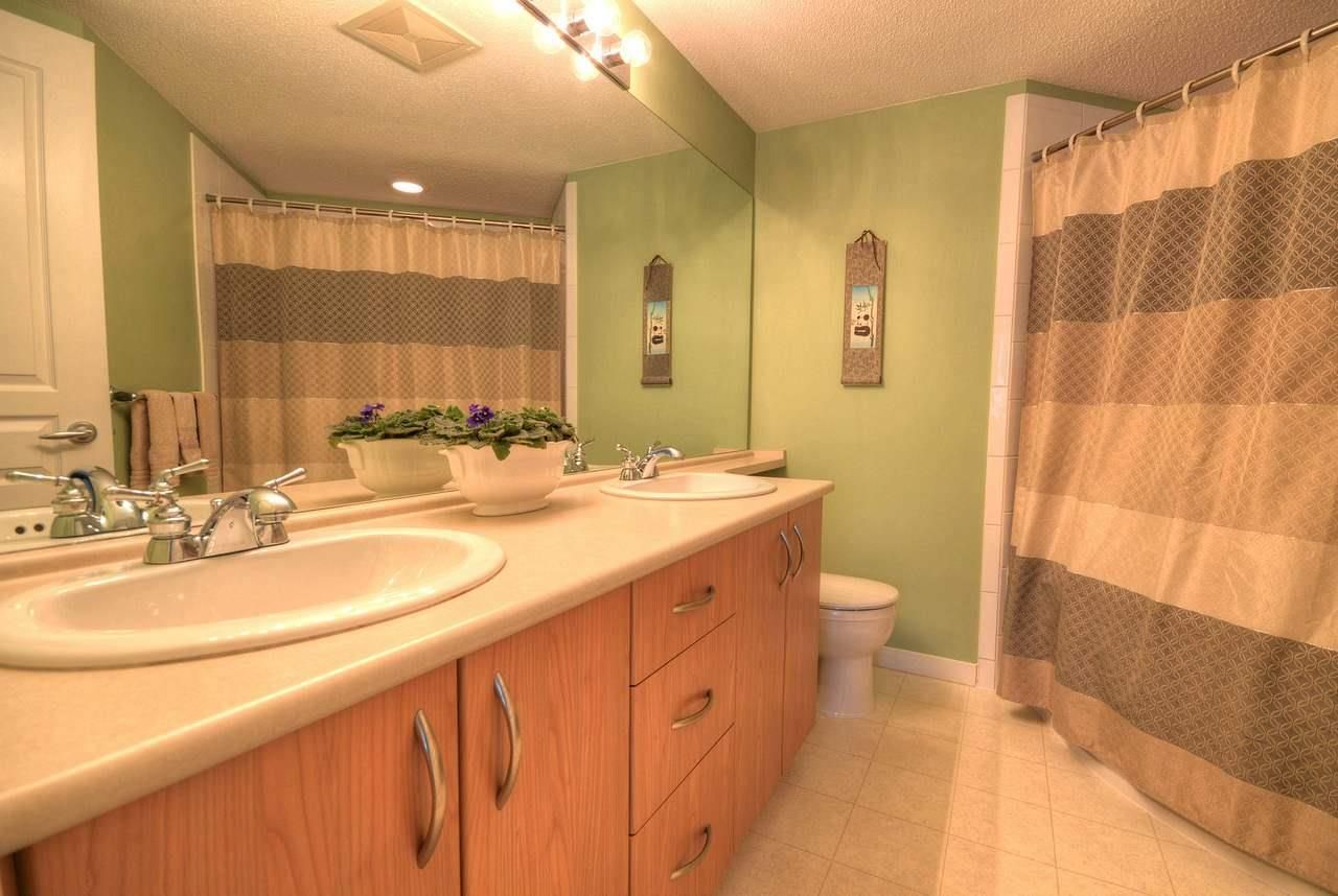 """Photo 9: Photos: 309 2968 SILVER SPRINGS Boulevard in Coquitlam: Westwood Plateau Condo for sale in """"TAMARISK"""" : MLS®# R2237139"""