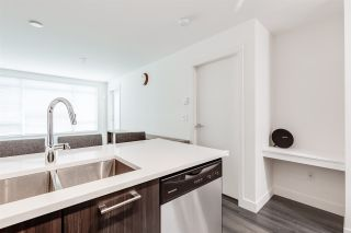 """Photo 5: 304 2525 CLARKE Street in Port Moody: Port Moody Centre Condo for sale in """"THE STRAND"""" : MLS®# R2459595"""