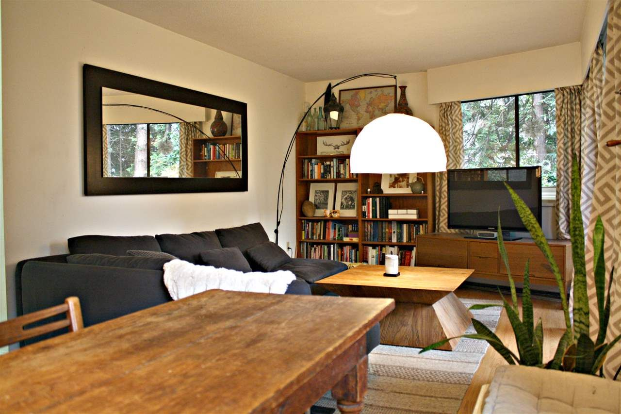 """Main Photo: 107 2330 MAPLE Street in Vancouver: Kitsilano Condo for sale in """"MAPLE GARDENS"""" (Vancouver West)  : MLS®# R2226406"""