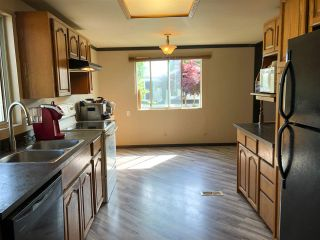 """Photo 3: 114 10221 WILSON Street in Mission: Stave Falls Manufactured Home for sale in """"Triple Creek Estates"""" : MLS®# R2502885"""