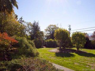 Photo 3: 103 1902 COMOX Avenue in COMOX: CV Comox (Town of) Condo for sale (Comox Valley)  : MLS®# 713630
