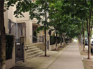 Photo 1: 979 RICHARDS Street in Vancouver: Downtown VW Townhouse for sale (Vancouver West)  : MLS®# V903075