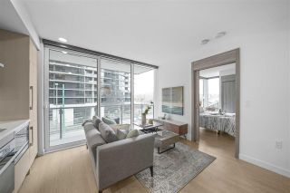 "Photo 4: 413 89 NELSON Street in Vancouver: Yaletown Condo for sale in ""THE ARC"" (Vancouver West)  : MLS®# R2561204"