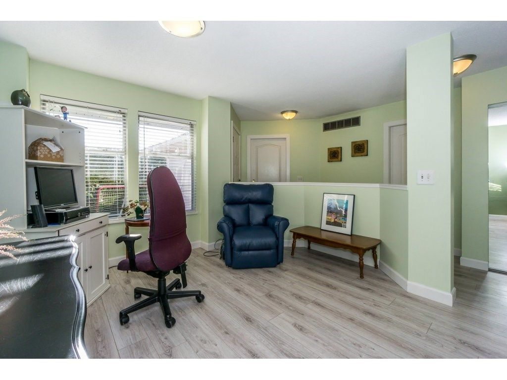"""Photo 4: Photos: 72 21928 48 Avenue in Langley: Murrayville Townhouse for sale in """"Murray Glen"""" : MLS®# R2229327"""