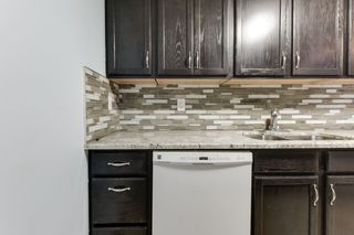 Photo 17: 33 AMBERLY Court in Edmonton: Zone 02 Townhouse for sale : MLS®# E4247995