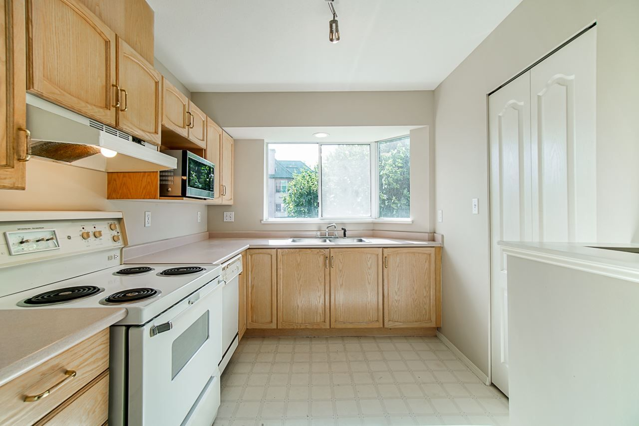 Photo 19: Photos: 306 2962 TRETHEWEY STREET in Abbotsford: Abbotsford West Condo for sale : MLS®# R2470028