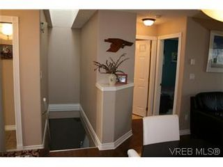 Photo 8: 26 300 Six Mile Rd in VICTORIA: VR Six Mile Row/Townhouse for sale (View Royal)  : MLS®# 560855