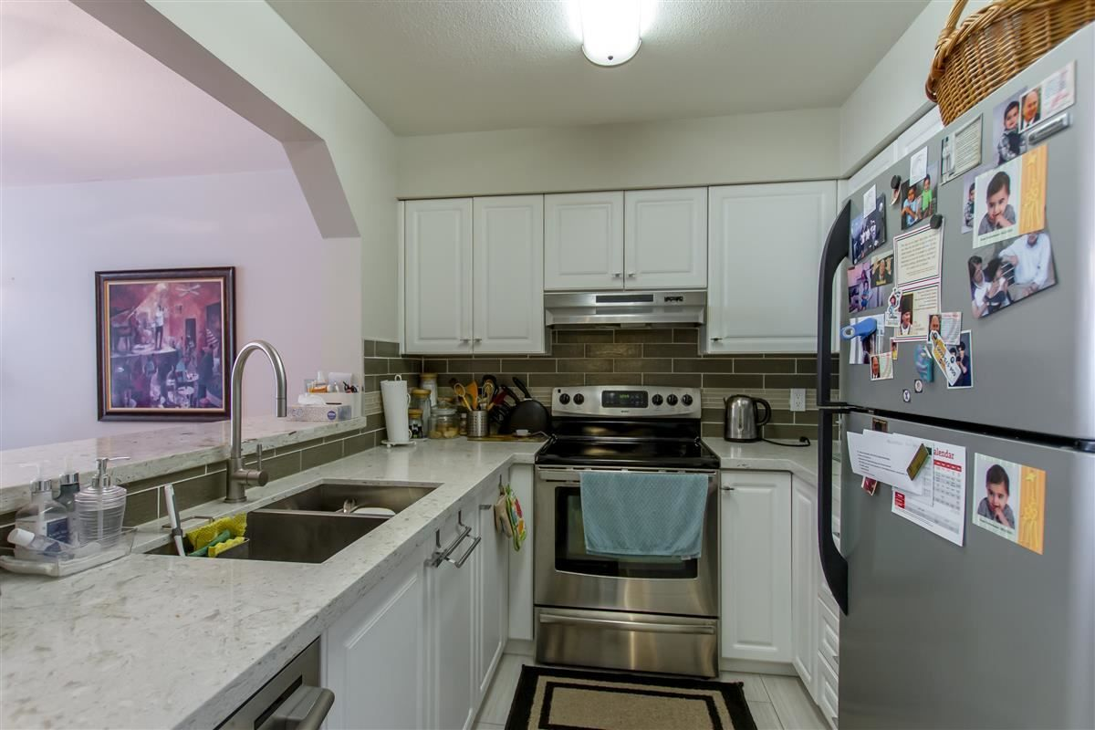 """Photo 10: Photos: 111 3770 MANOR Street in Burnaby: Central BN Condo for sale in """"CASCADE WEST"""" (Burnaby North)  : MLS®# R2398930"""