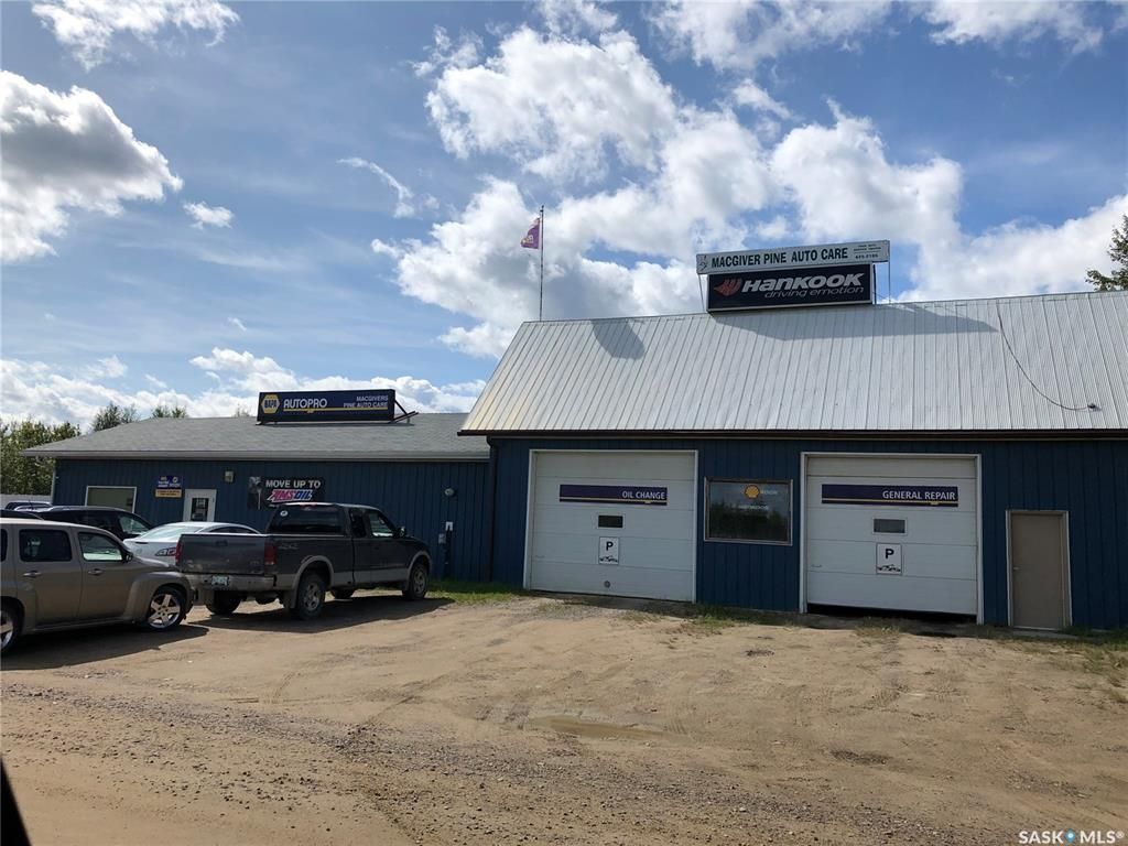 Main Photo: 704 Finlayson Street in La Ronge: Commercial for sale : MLS®# SK839181