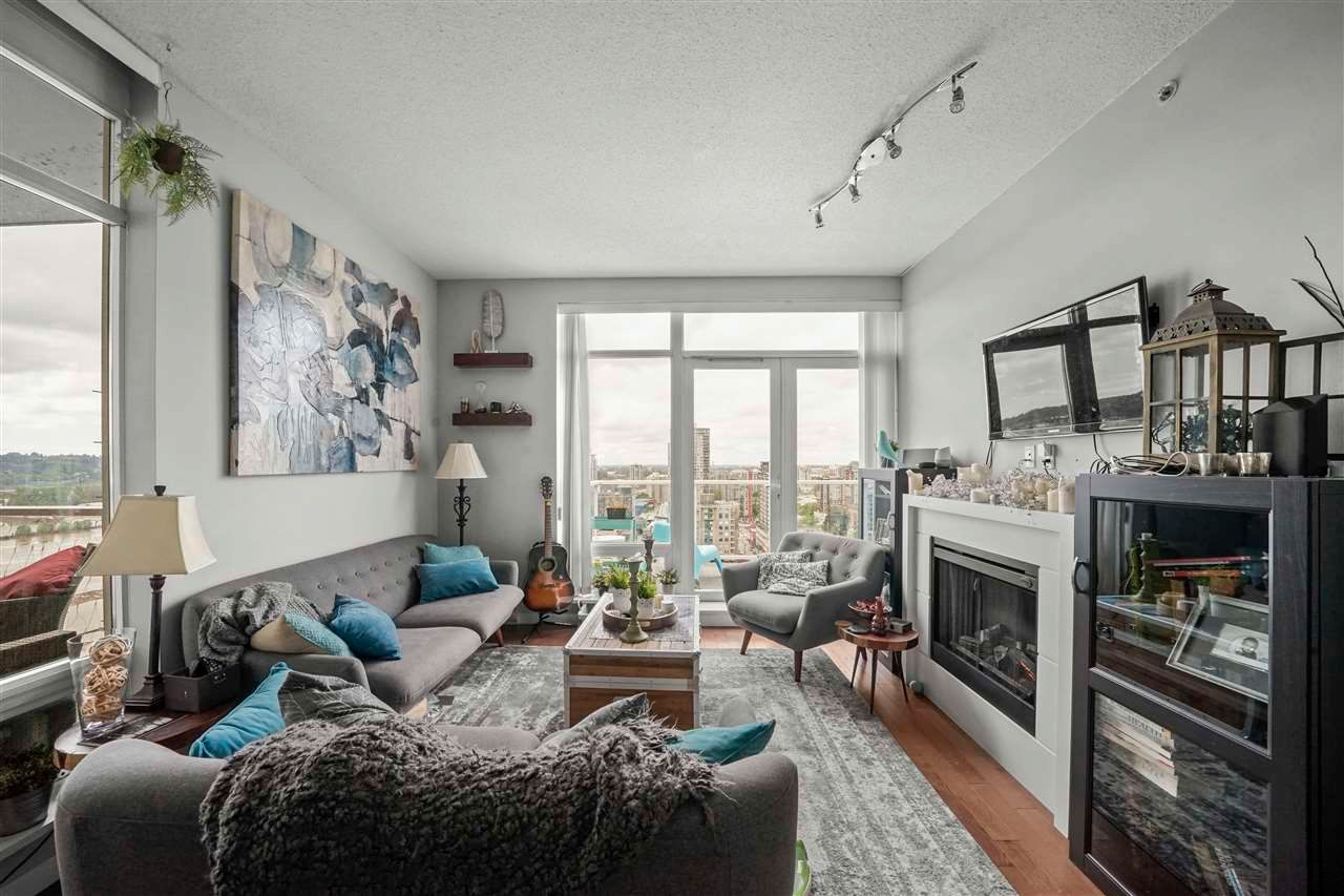 """Photo 7: Photos: PH7 39 SIXTH Street in New Westminster: Downtown NW Condo for sale in """"QUANTUM"""" : MLS®# R2575142"""