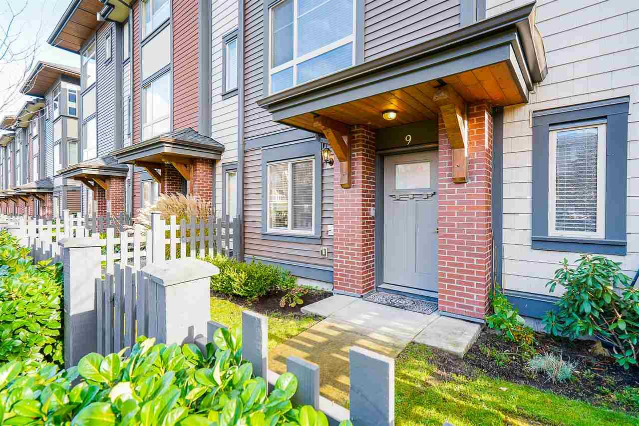 """Main Photo: 9 16127 87 Avenue in Surrey: Fleetwood Tynehead Townhouse for sale in """"Academy"""" : MLS®# R2518411"""